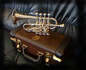la trompette piccolo 4 pistons par jean michel. Black Bedroom Furniture Sets. Home Design Ideas